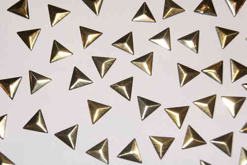 50 Clous Triangle 10 mm Or